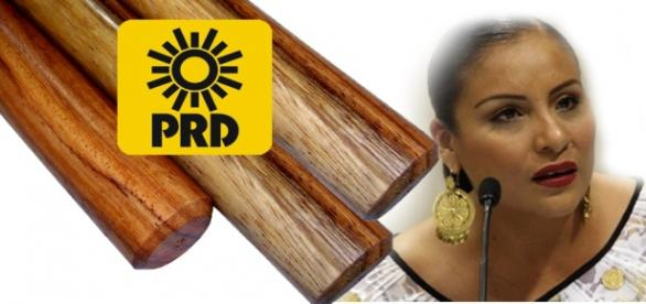 Diputada del PRD que ofrece tres palitos
