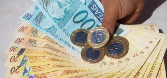 Mínimo nacional sobre R$83 em 2016