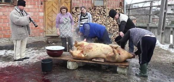 Nu toți înțeleg obiceiurile românești