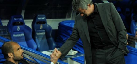 Pep Guardiola com José Mourinho, na Espanha