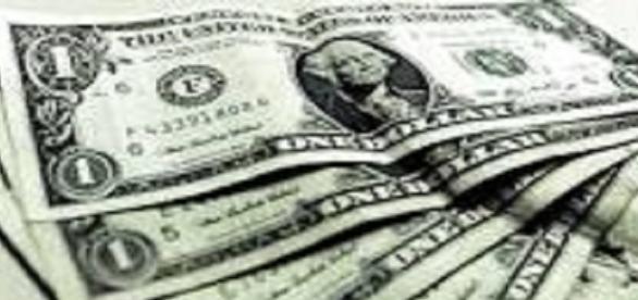 Dólar em alta prejudica a economia doméstica