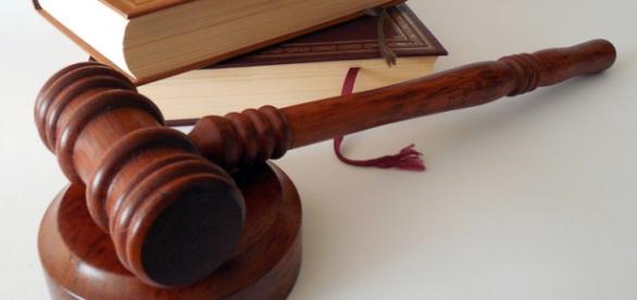 Spór o Trybunał Konstytucyjny przeciąga się.