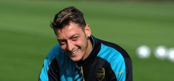 Ist Mesut Özil bald nicht mehr bei Arsenal London?