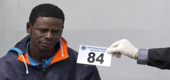 Jeden z uchodźców z włoskiego obozu