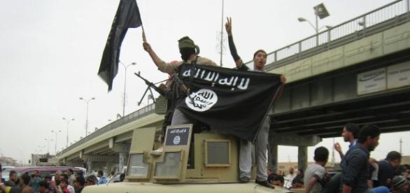 Os EUA podem estar ajudando o ISIS.