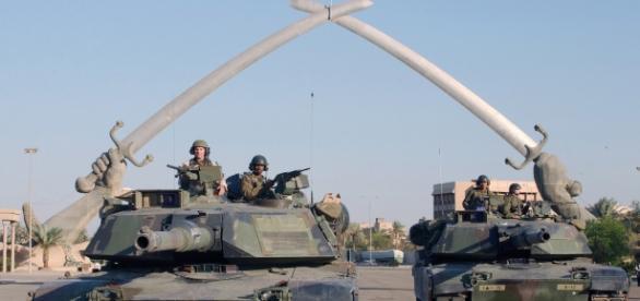 Tancuri americane în Bagdad - invazia din 2003