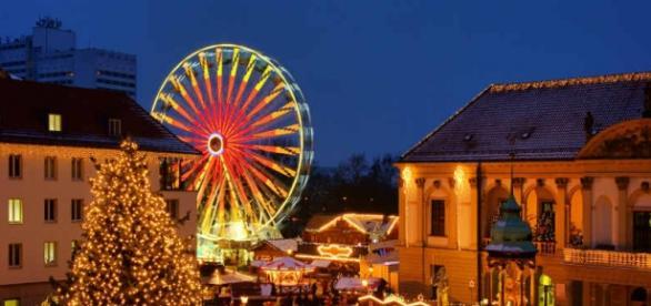 Típico mercado navideño en Magdeburg