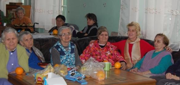 Bătrânii de la azilul din Anina