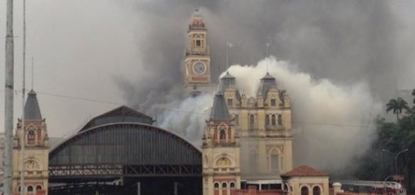 Incêndio no Museu em São Paulo (Foto: G1)