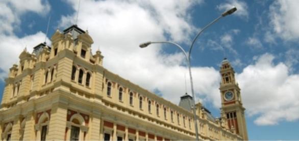 Fogo atingiu Museu da Língua Portuguesa ontem