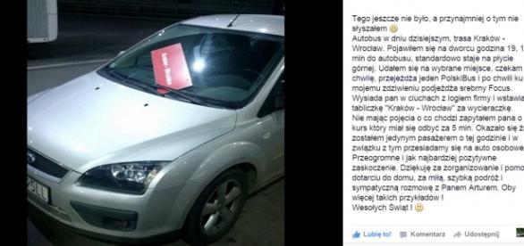 Polski Bus podstawia samochód osobowy.