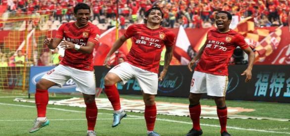 Foto Fanpage Guangzhou Evergrande - Futebol Chinês