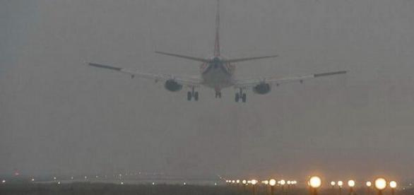 Aeroporto de Pequim em alerta laranja