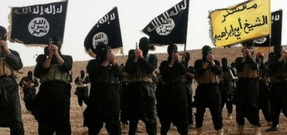 Insurgentes do EI no Iraque. Créditos: Wikimedia.