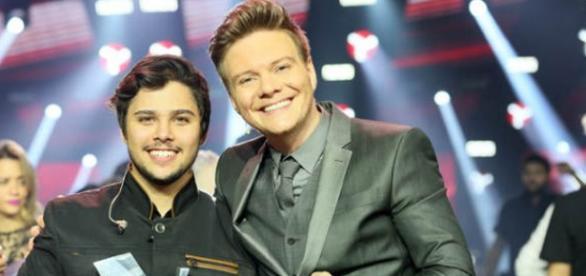 Renato Vianna vence o The Voice Brasil 2015
