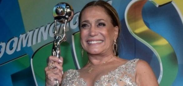 Susana Vieira recebe Troféu Mário Lago