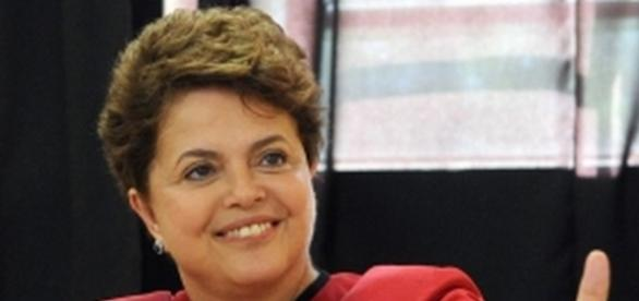 Dilma Rousseff ainda não baixou o seu salário