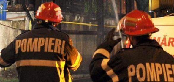 Explozie într-un bloc din Zărneşti