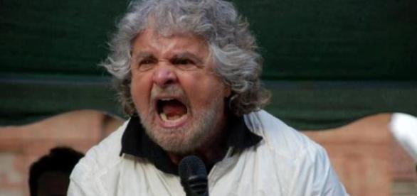 Grillo attacca il Governo sulla scuola