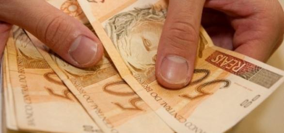 Salário minimo vai para R$880 em janeiro