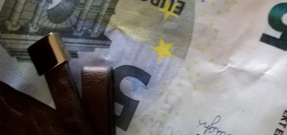 Finlândia dá 800 euros aos cidadãos.