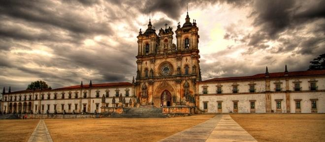 Souto Moura vai transformar o claustro do Mosteiro de Alcobaça em hotel de luxo