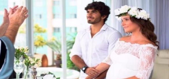 Atriz Deborah Secco casou em segredo com Hugo