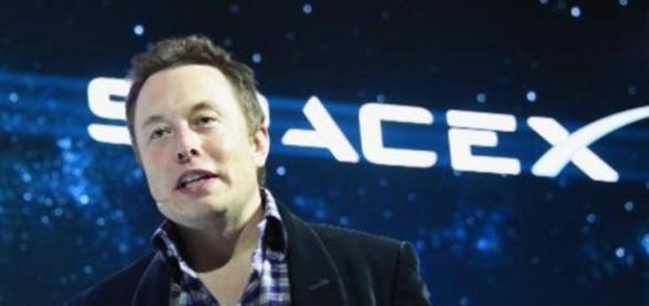 Elon Musk ameaça o domínio espacial da Rússia.