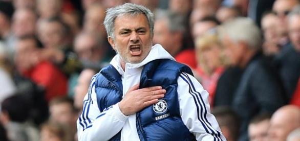 José Mourinho é criticado por um antigo jogador