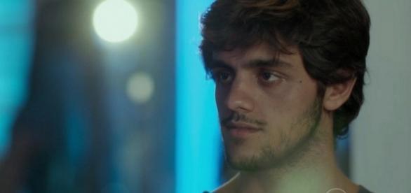 Jonatas é expulso por Eliza em 'Totalmente Demais'