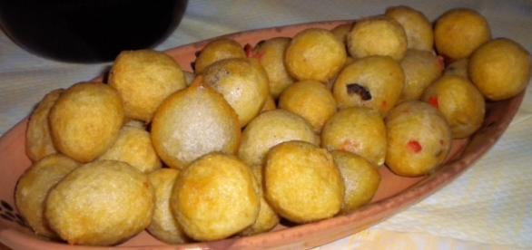 Pittule: tradizionali frittelle di pasta lievitata