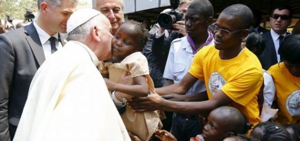 Visita do papa à África tem várias finalidades.