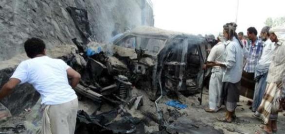 Carro bomba mata Jaafar Saad no Iêmen