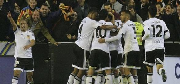 Celebración después del gol del Valencia