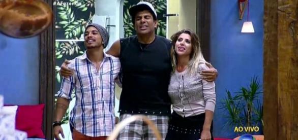 Douglas, Luka e Ana (Reprodução/Record)
