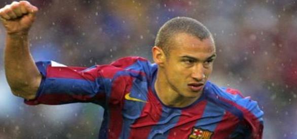 El sueco Larsson celebra un gol con el Barcelona
