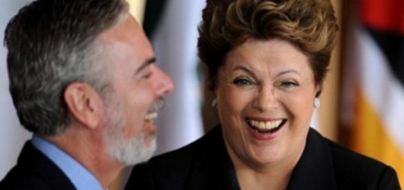 Andamento do impeachment de Dilma é suspenso