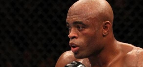 Anderson silva retorna ao UFC com vitória