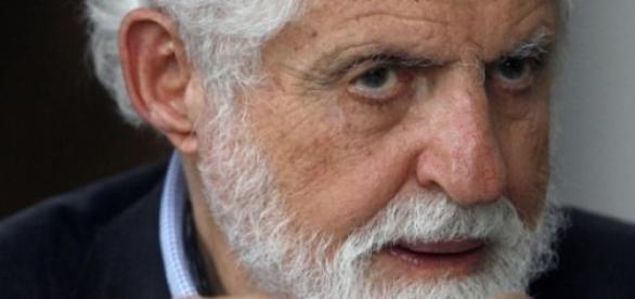 Chimistul Carl Djerassi, pilule contraceptive
