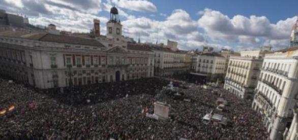 manifestanti, spanioli, Podemos
