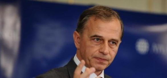 Mircea Geoana isi face partid