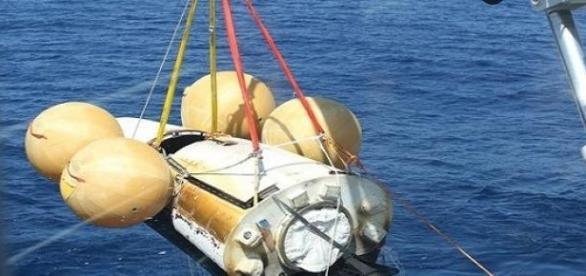Recogida de la nave espacial en el océano