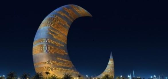 The Crescent Moon Tower va lumina cerul Dubai-ului
