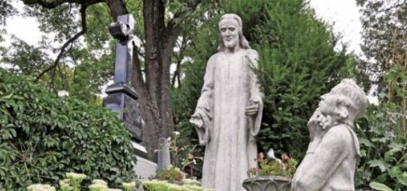 Cimitirele -Marul discordiei intre Institutii