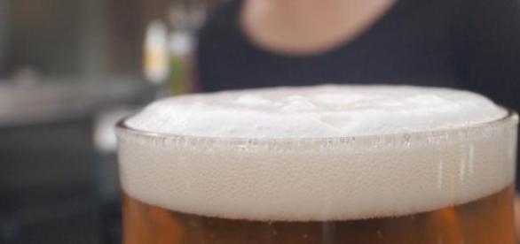 Propagandas de cerveja respeitam as mulheres?