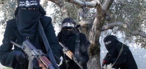 Quelques éléments de la brigade Al-Khansa