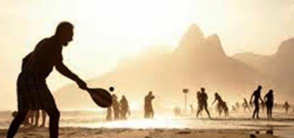 Frescobol identifica-se com o Rio
