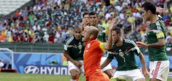 Fue una polémica jugada en Brasil 2014