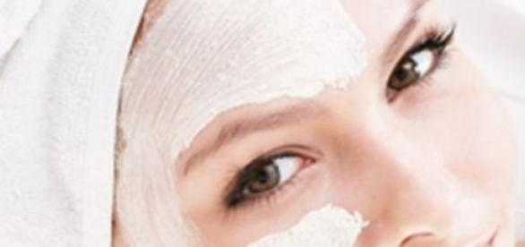 Revitalizeaza-ti tenul cu masti facute din drojdie
