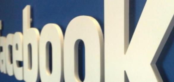 """Facebook-ul este o """"problema"""" pentru tineri!"""